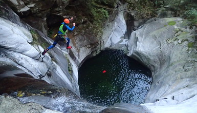 Canyoning in Tessin